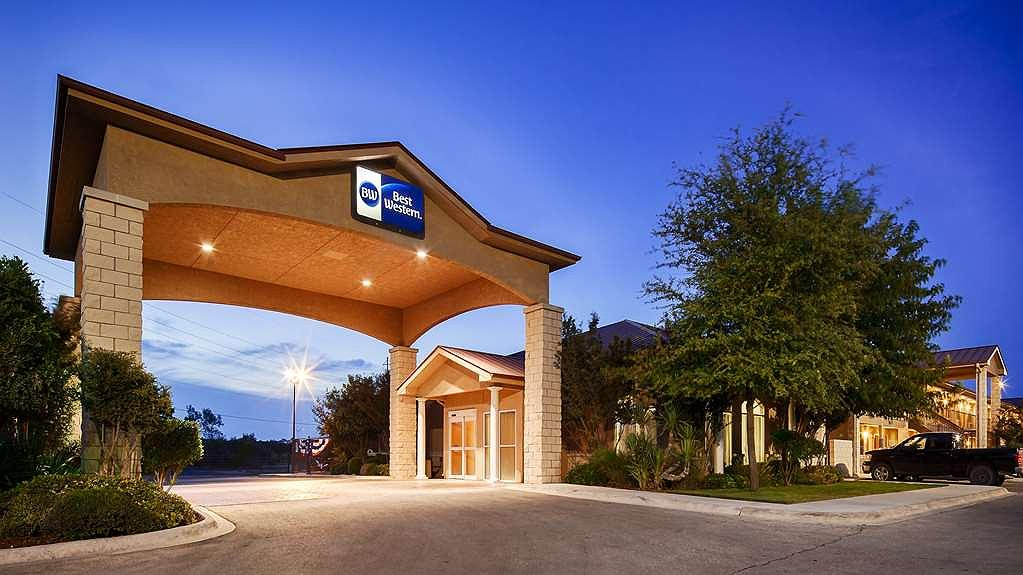 Best Western Dos Rios - Let our Southern hospitality welcome you to the Best Western Dos Rios!