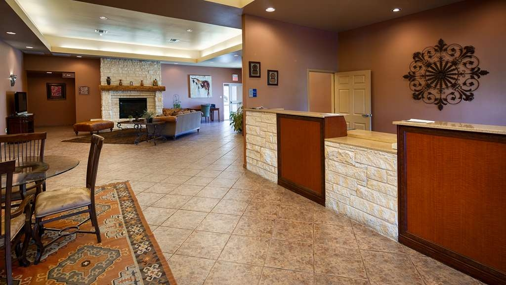 Best Western Dos Rios - Front Desk is happy to provide all the comforts of home for you during your stay.