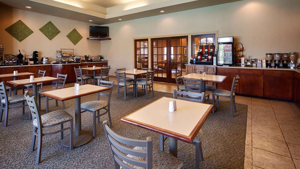 Best Western Dos Rios - Breakfast Area Seating. We have a nice breakfast room with plenty of good food and space.