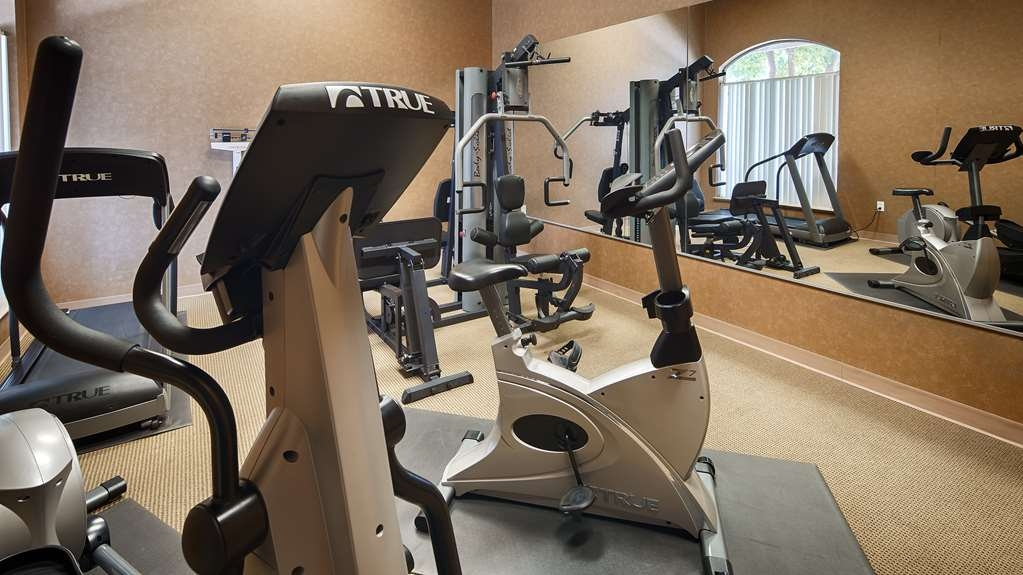 Best Western Dos Rios - Our fitness center is outfitted with everything you need for a great workout.