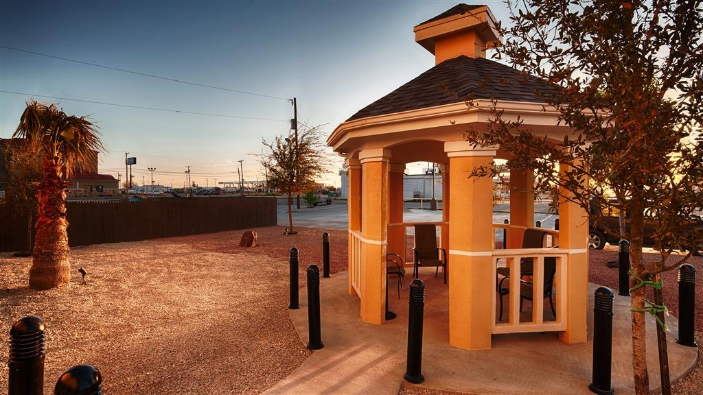 Best Western Plus Monahans Inn & Suites - Our outdoor gazebo provides a great atmosphere to relax and enjoy the outdoors.
