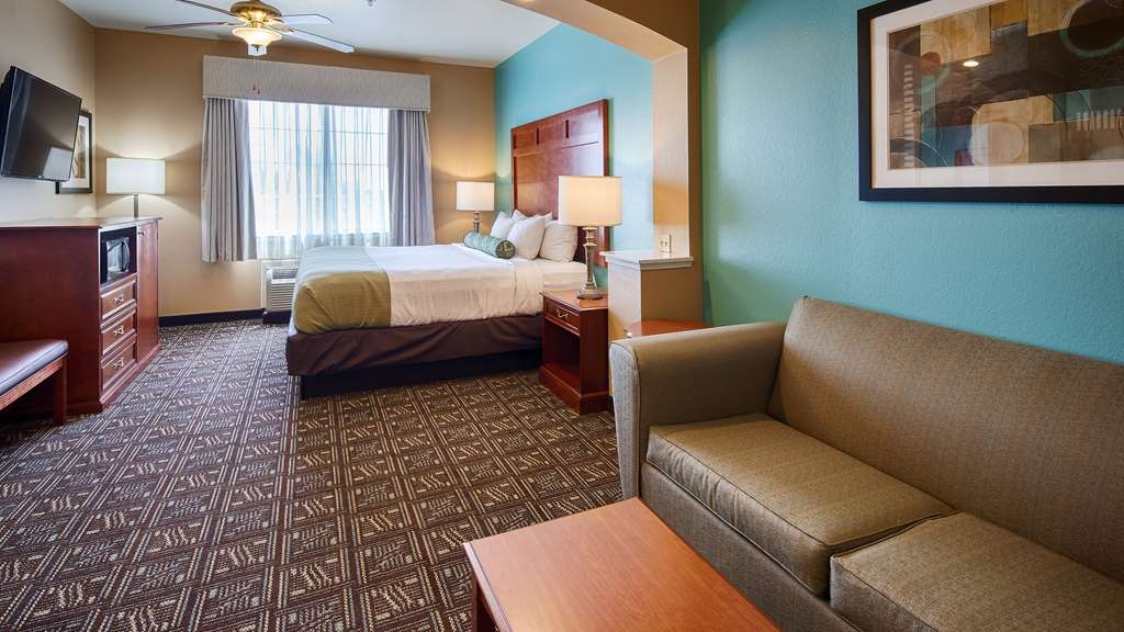 Best Western Plus Monahans Inn & Suites - Why stay in a standard room when all of our single bedded rooms are king suites and have a sleeper sofa?