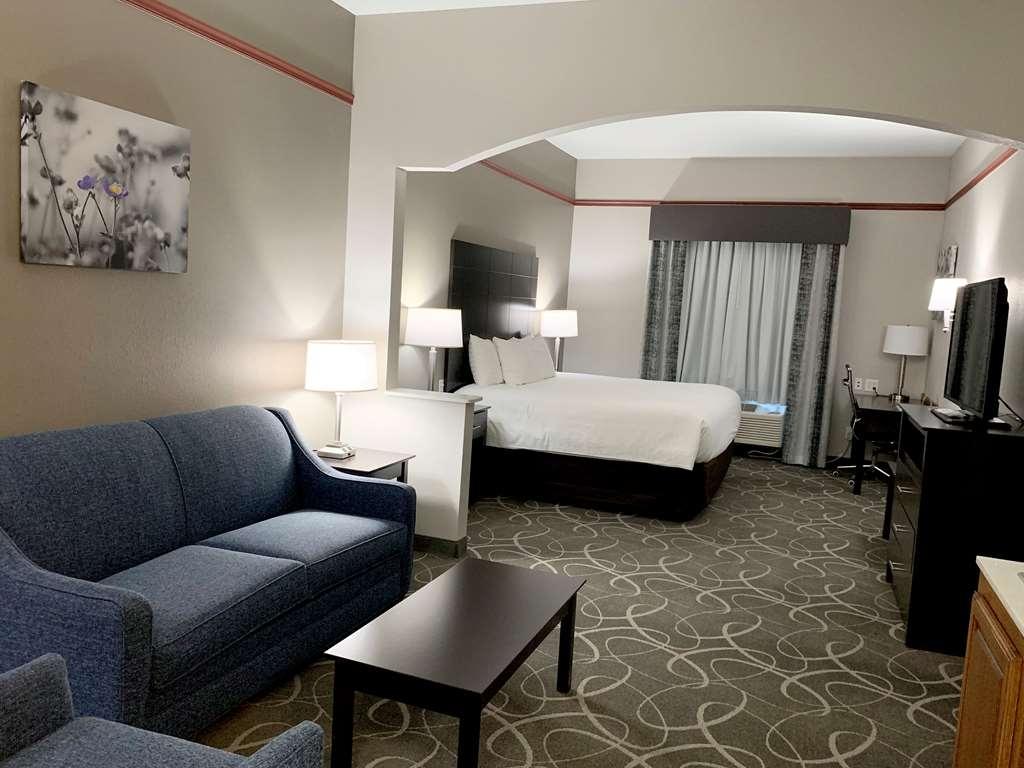 Best Western Limestone Inn & Suites - Suite