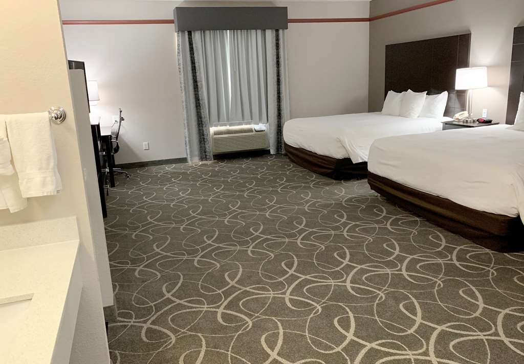 Best Western Limestone Inn & Suites - Our spacious two king mobility accessible guest room has all the comforts of home at your fingertips.