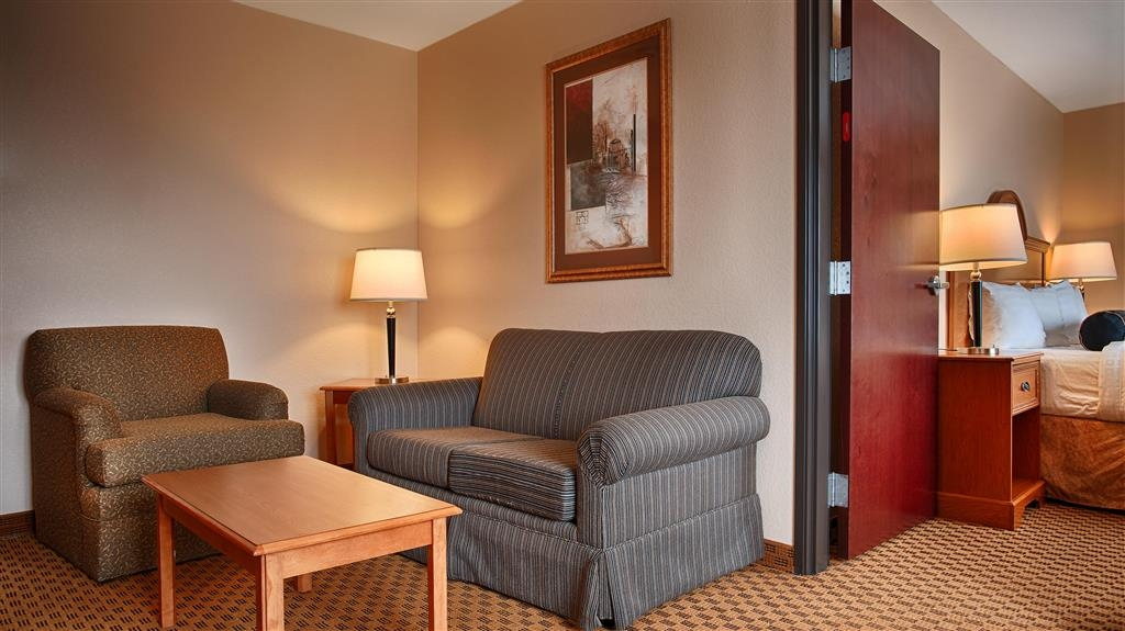 Best Western South Plains Inn & Suites - Habitación