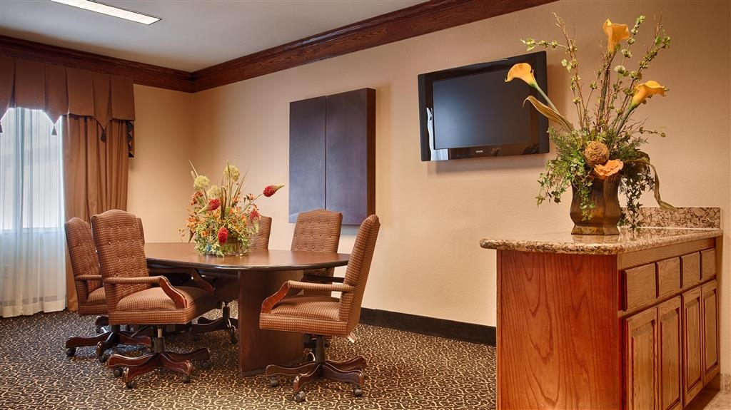 Best Western South Plains Inn & Suites - Sala de reuniones