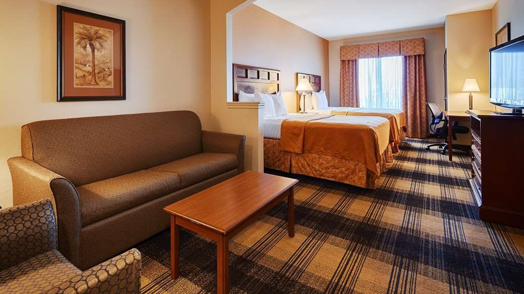 Best Western Lockhart Hotel & Suites - Have the perfect family trip in Lockhart, TX and stay in our double queen suite.