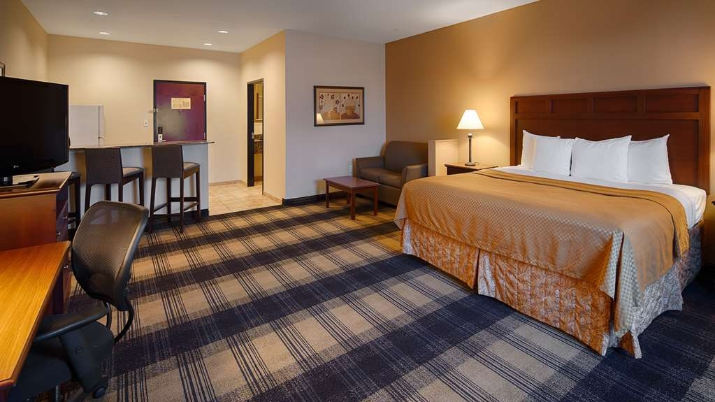 Best Western Lockhart Hotel & Suites - Use the sofabed in our king suite for extra sleeping space without the cost of an additional room.