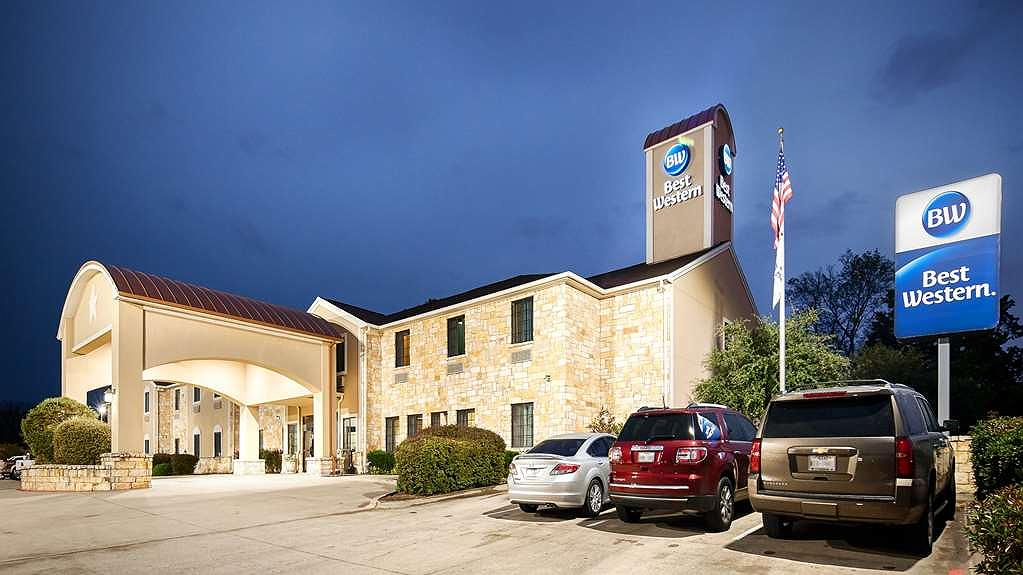 Best Western Mineola Inn - Let the BEST WESTERN Mineola Inn make your stay a memorable experience from check-in to check-out while staying in Mineola TX.