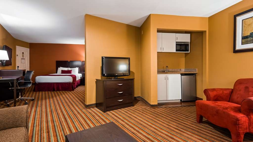 Best Western Mt. Pleasant Inn - Suite