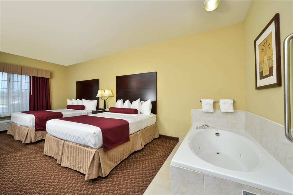 Best Western Plus Mansfield Inn & Suites - We offer a variety of rooms with whirlpools from king to 2 queens.