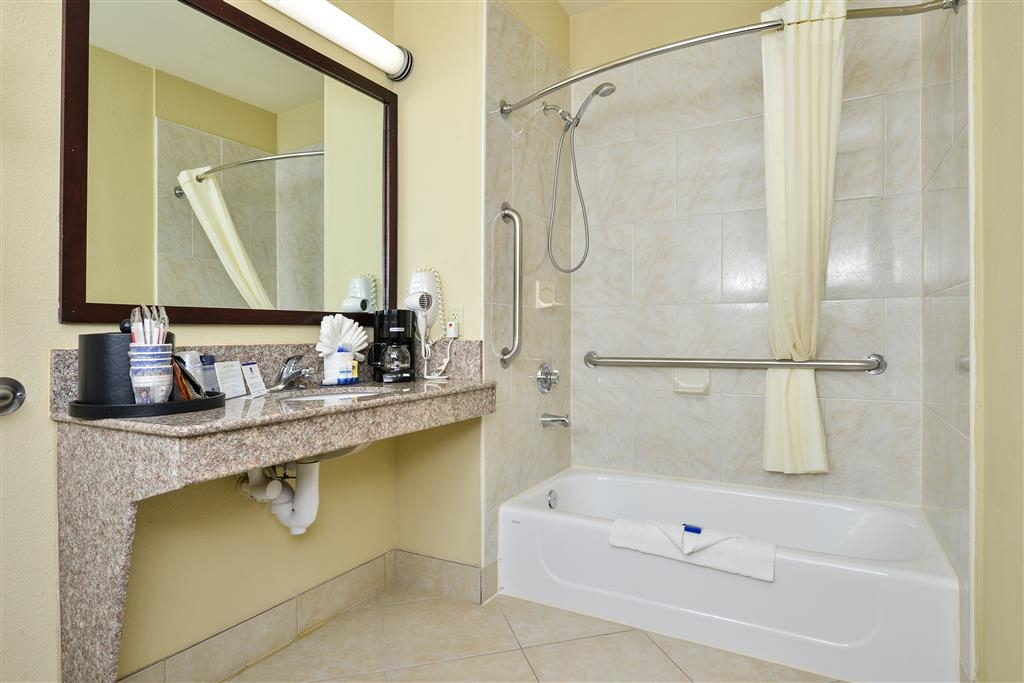 Best Western Plus Mansfield Inn & Suites - We offer a mobility accessible bathroom to meet your needs.