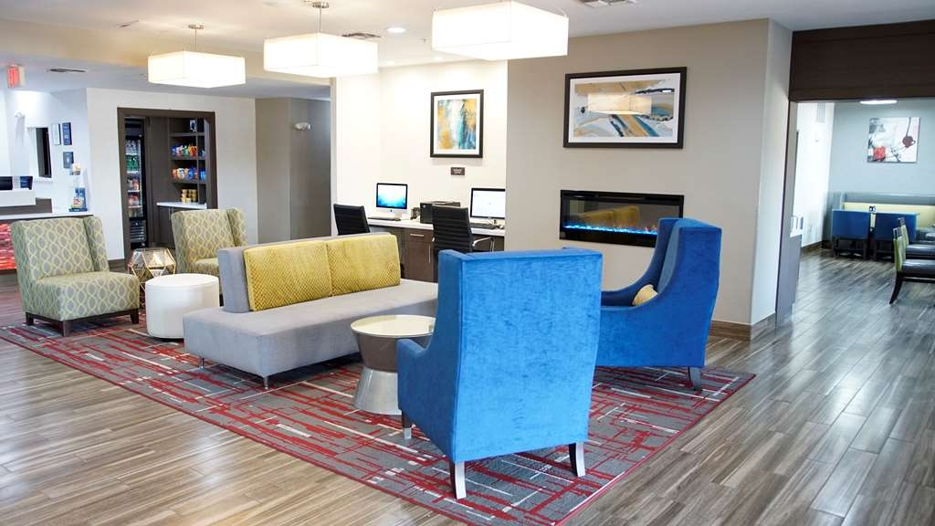 Best Western Plus Mansfield Inn & Suites - Hall dell'hotel