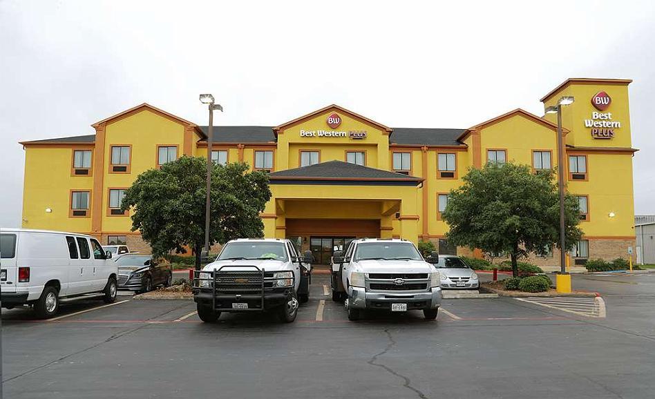 Best Western Plus Schulenburg Inn & Suites - Aussenansicht