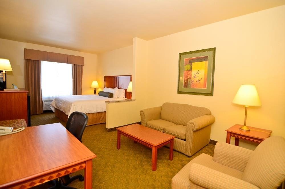 Best Western Plus Schulenburg Inn & Suites - Suite