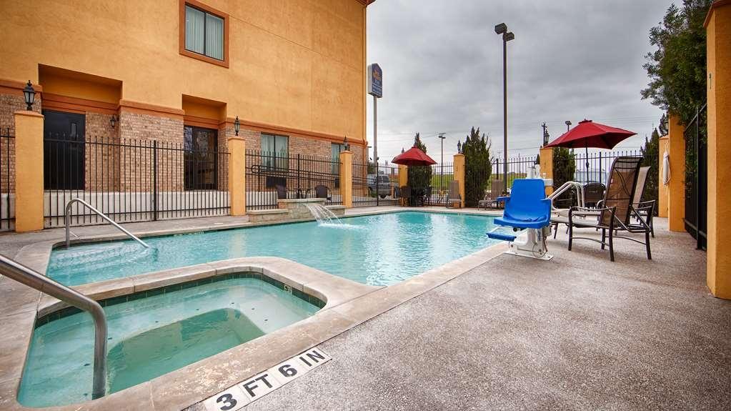 Best Western Plus Schulenburg Inn & Suites - Vue de la piscine