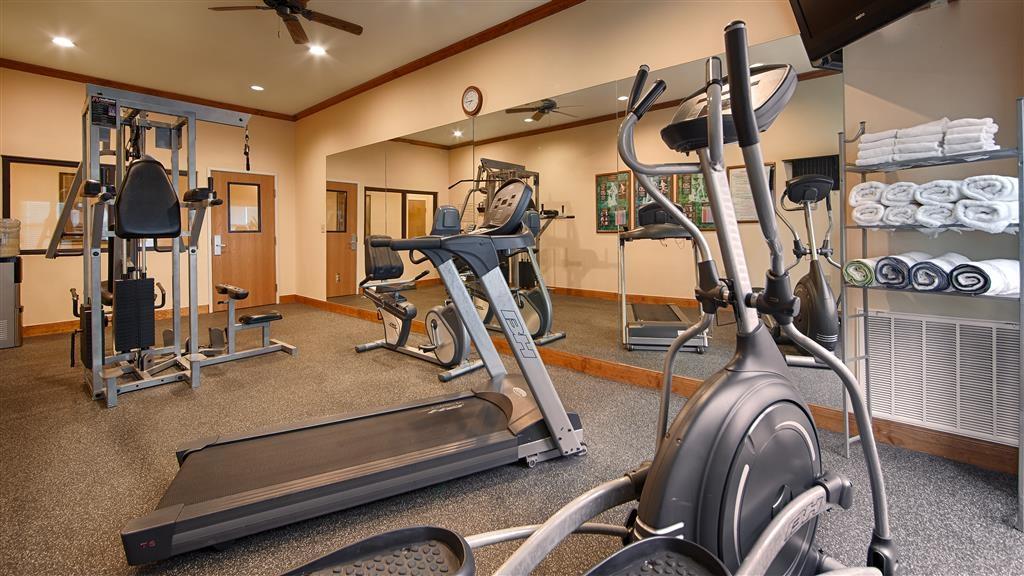 Best Western Plus Schulenburg Inn & Suites - Nuestro centro deportivo le permitirá mantener su rutina de ejercicio aunque se encuentre fuera de casa.