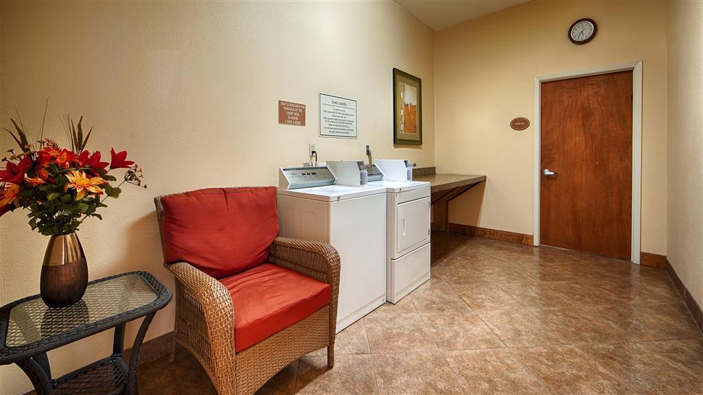 Best Western Plus Schulenburg Inn & Suites - Servicio de lavandería
