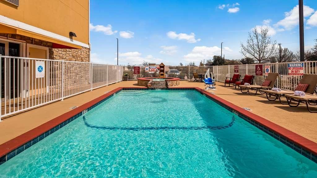 Best Western Plus Wylie Inn - Vista de la piscina