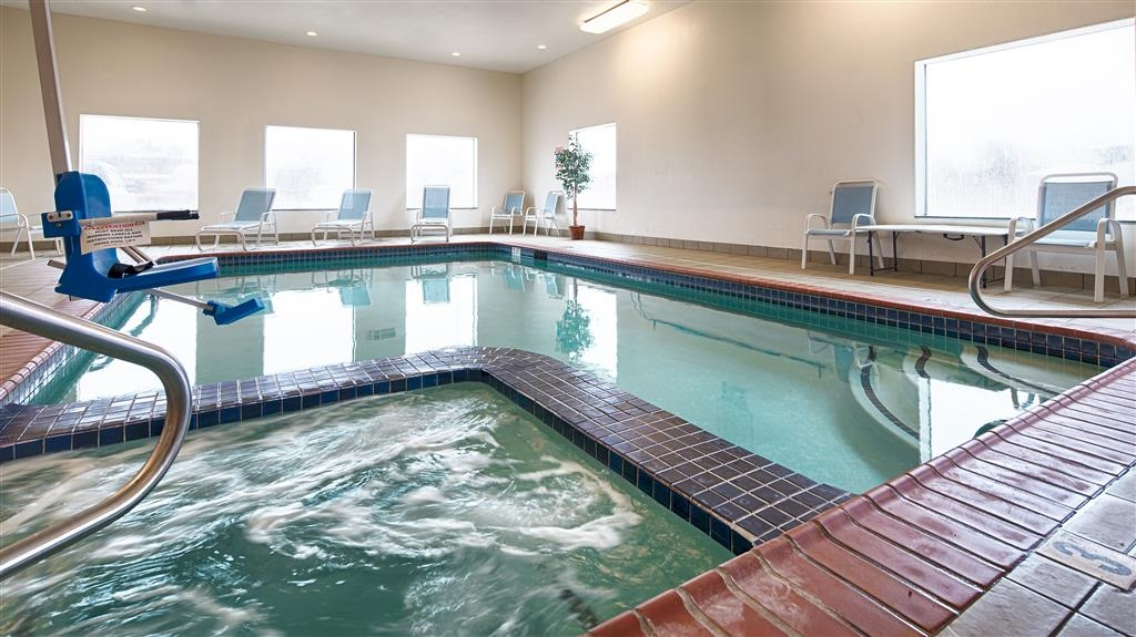 Best Western Palace Inn & Suites - Indoor Swimming Pool and Hot Tub