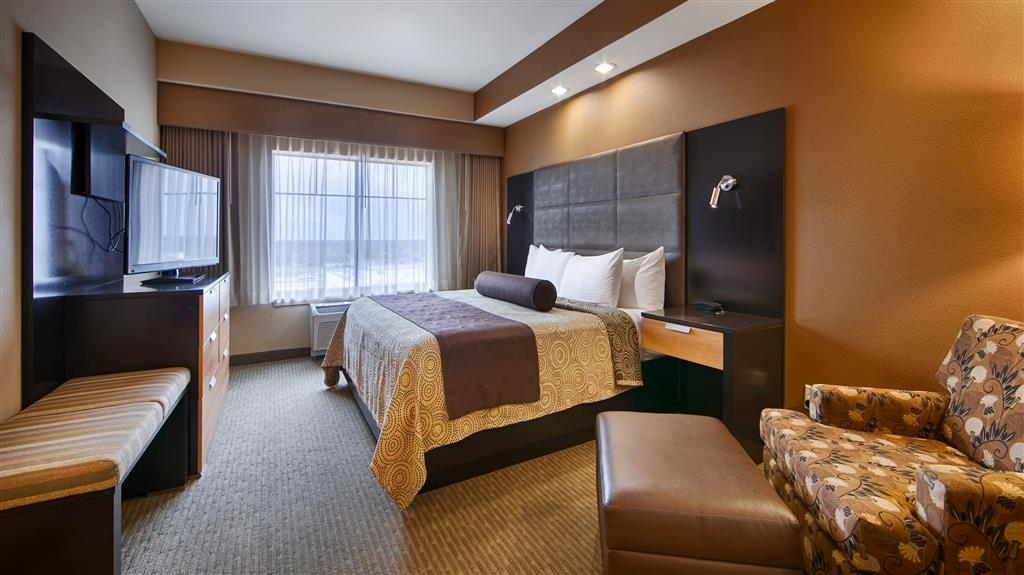Best Western Premier Bryan College Station - Stretch out and relax in one of our king rooms.