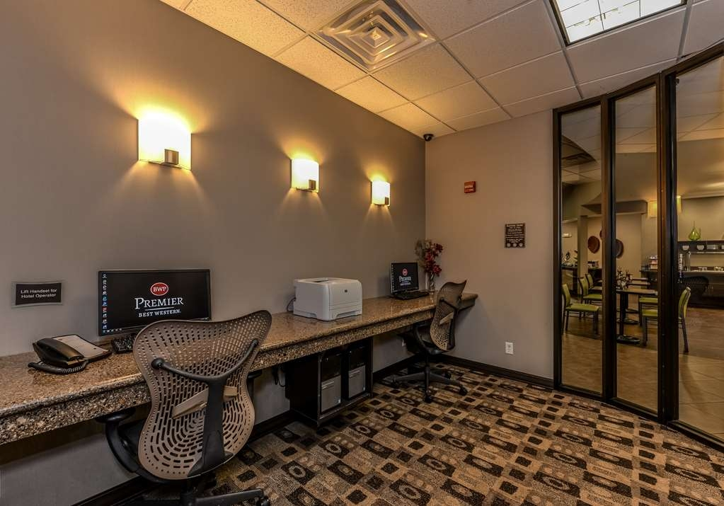 Best Western Premier Bryan College Station - Stay productive during your time away from home in our business center.