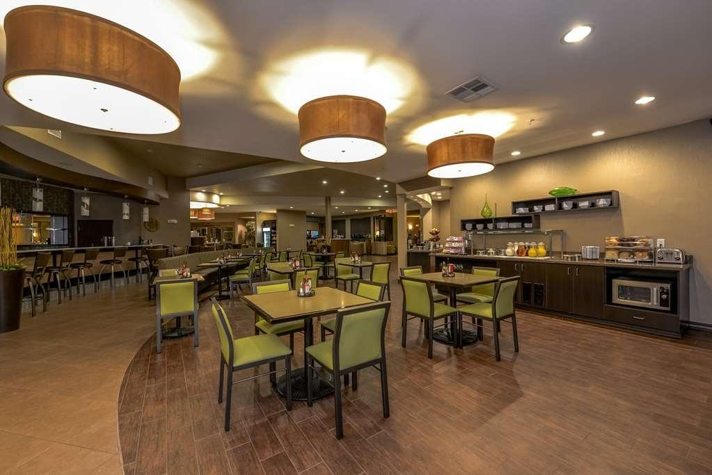 Best Western Premier Bryan College Station - Le petit déjeuner buffet