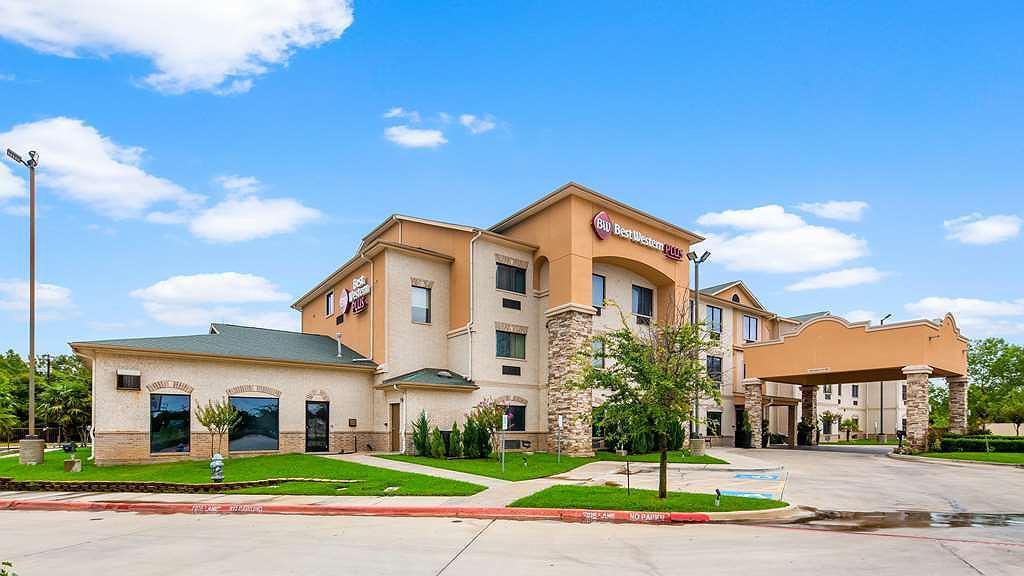 Best Western Plus Burleson Inn & Suites - Facciata dell'albergo