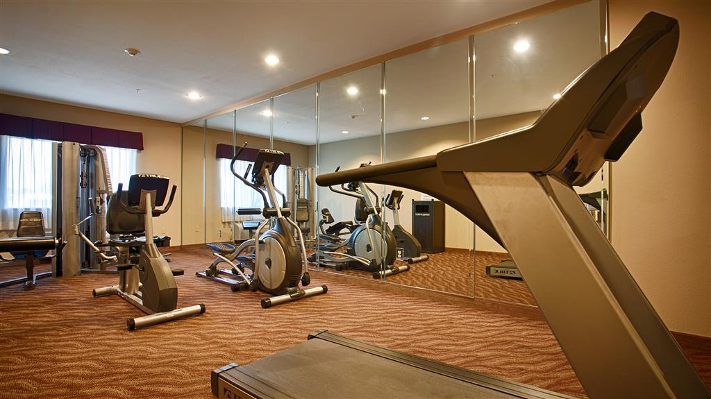 Best Western Plus Burleson Inn & Suites - Maintain your fitness routine during your stay with us in our fitness center.