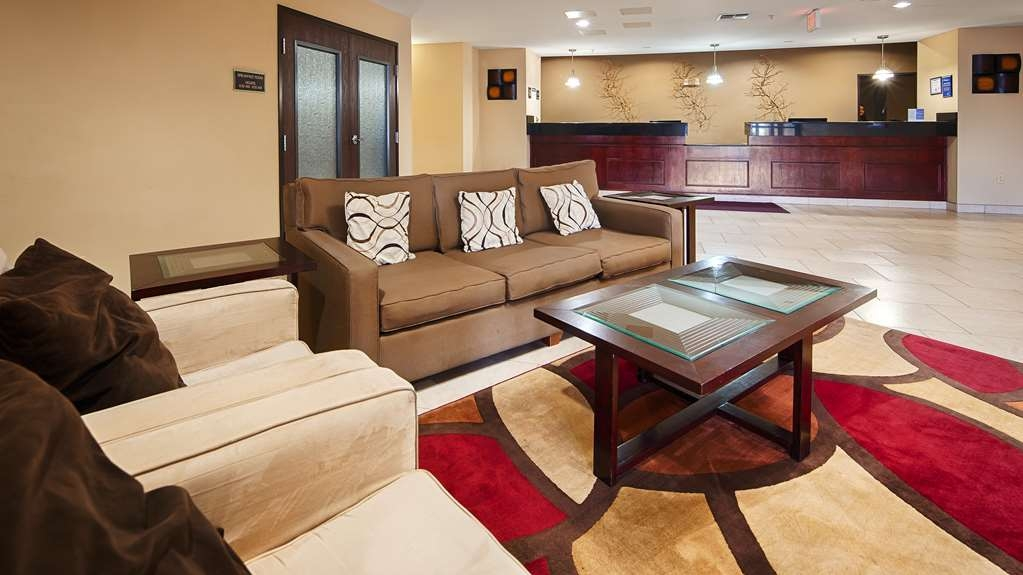Best Western Plus Burleson Inn & Suites - Hall