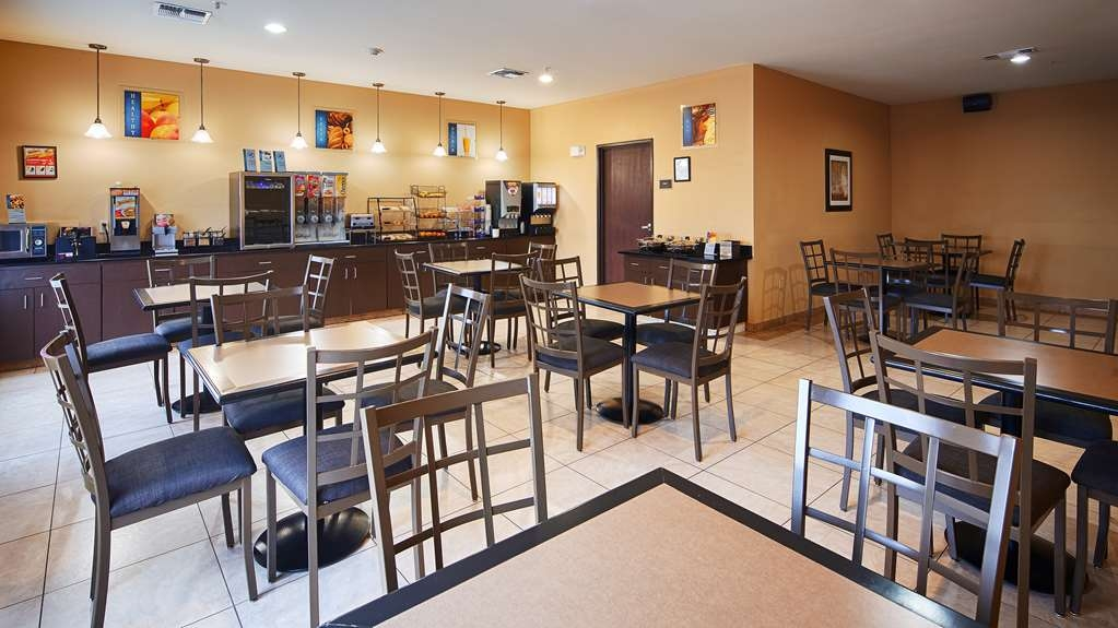 Best Western Plus Burleson Inn & Suites - Rise and shine with a complimentary breakfast every morning.