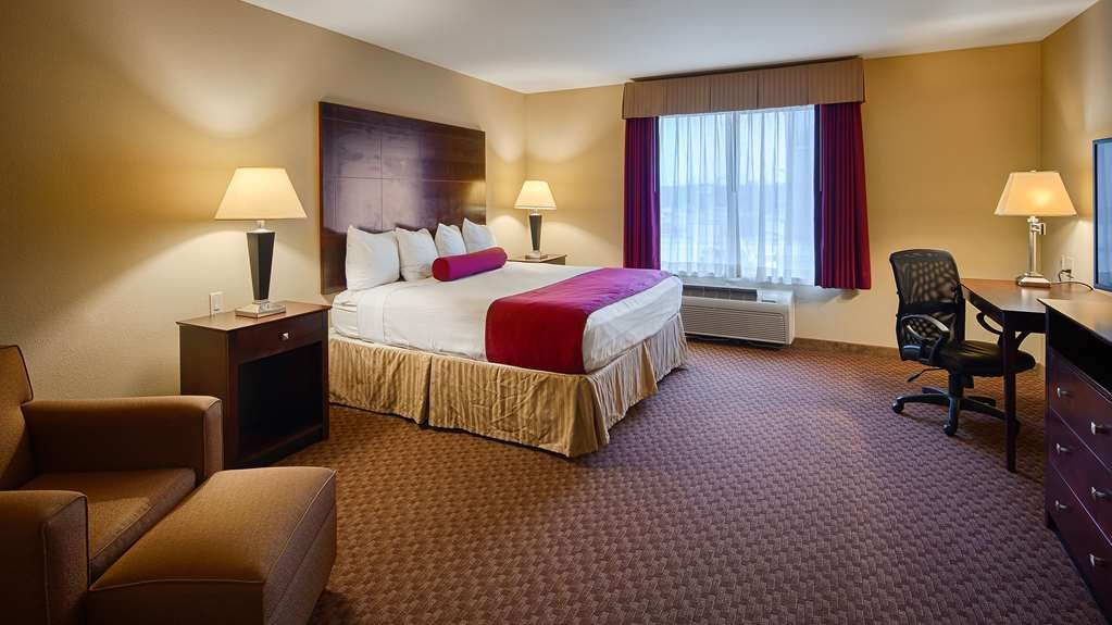 Best Western Plus Burleson Inn & Suites - We offer a variety of king room from standard to mobility accessible.