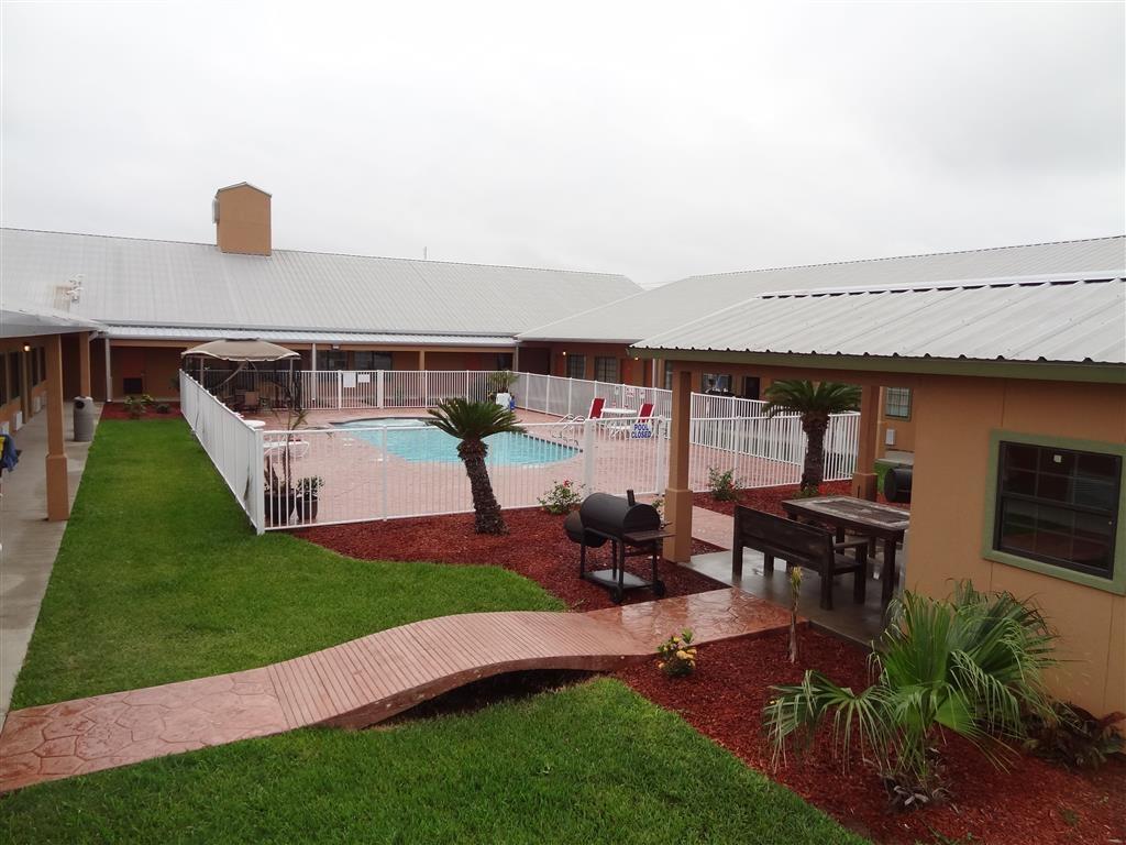 Best Western Hebbronville Inn - Vista de la piscina