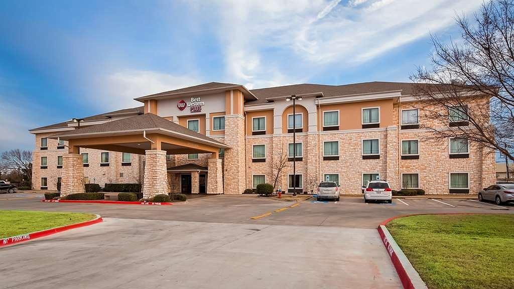 Best Western Plus Christopher Inn & Suites - Vista exterior