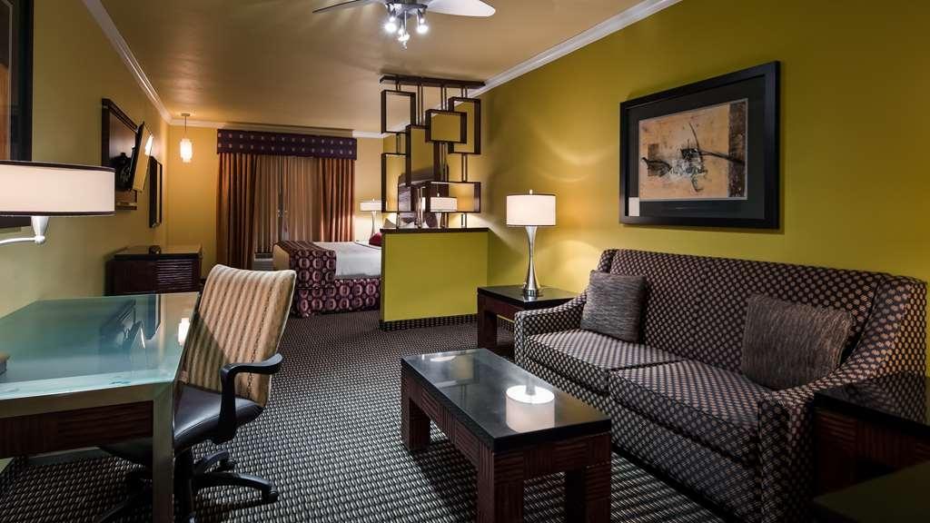 Best Western Plus Christopher Inn & Suites - Suite
