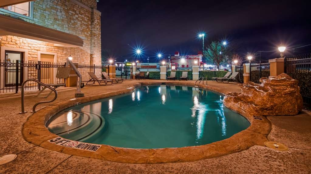 Best Western Plus Christopher Inn & Suites - Vista de la piscina