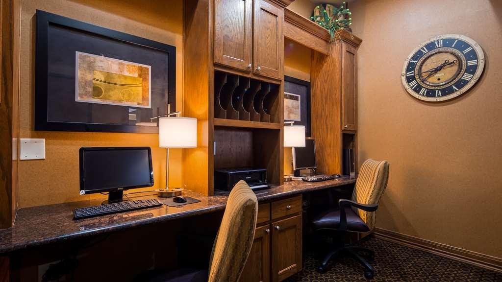 Best Western Plus Christopher Inn & Suites - Geschäft-zentrum