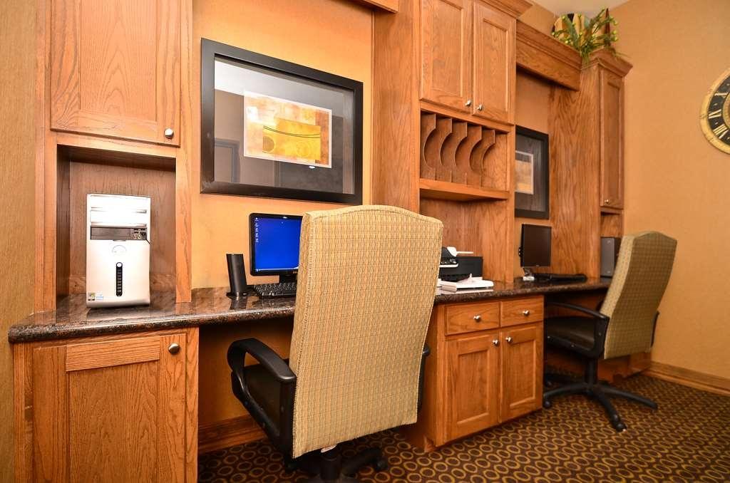 Best Western Plus Christopher Inn & Suites - Nutzen Sie auch das rund um die Uhr geöffnete Business Center.