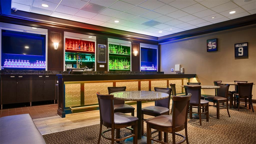 Best Western Plus Dallas Hotel & Conference Center - Bar / Lounge