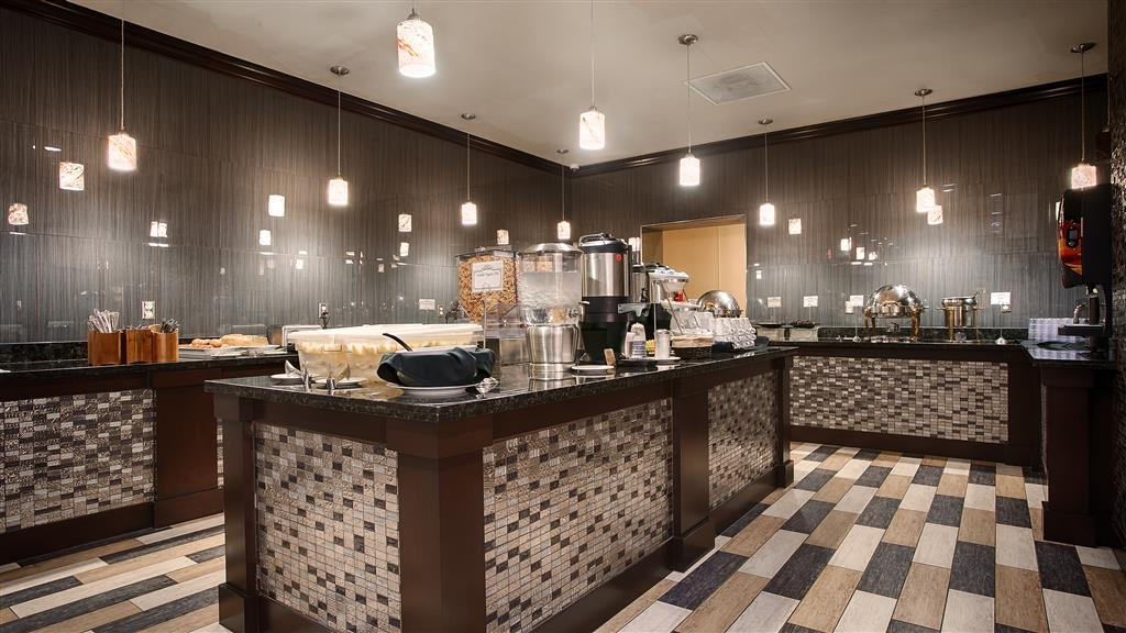 Best Western Plus Dallas Hotel & Conference Center - Le petit déjeuner buffet