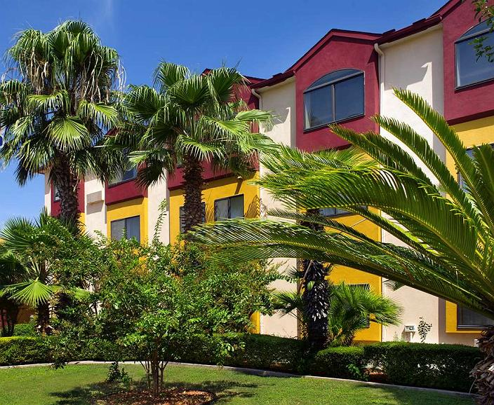 Best Western Alamo Suites - Vista exterior