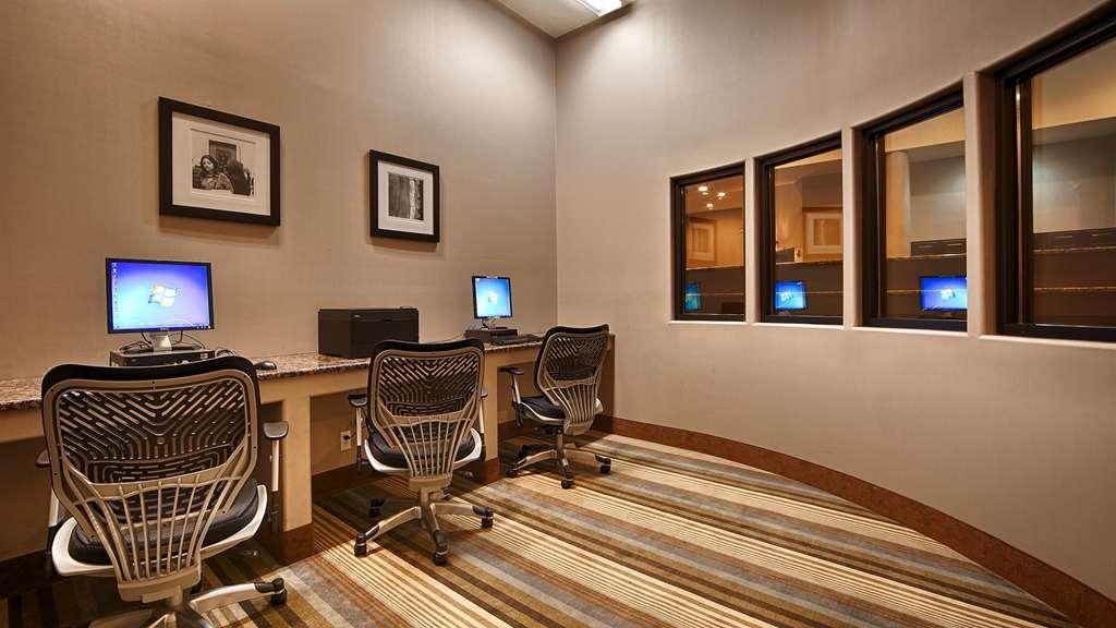 Best Western Plus Lackland Hotel & Suites - affari-centro