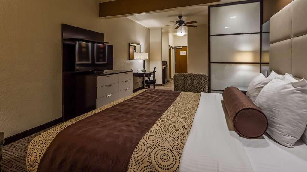 Best Western Plus Lackland Hotel & Suites - Suite