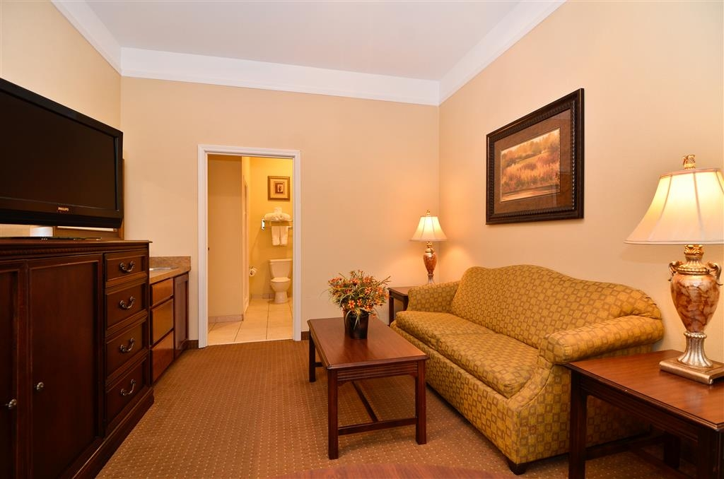 Best Western Plus Monica Royale Inn & Suites - You'll love our two room honeymoon suite.