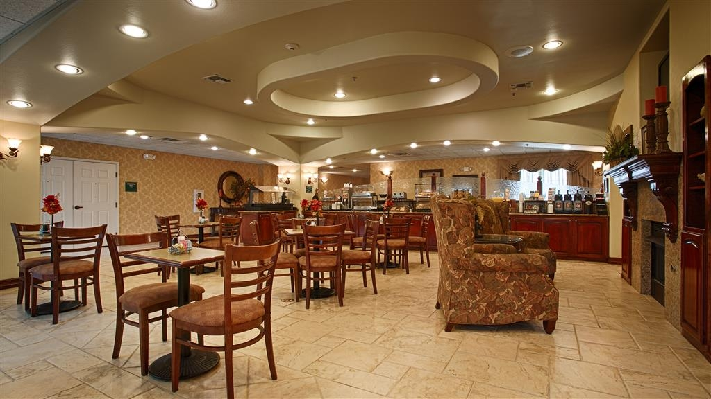 Best Western Plus Monica Royale Inn & Suites - Prima colazione a buffet