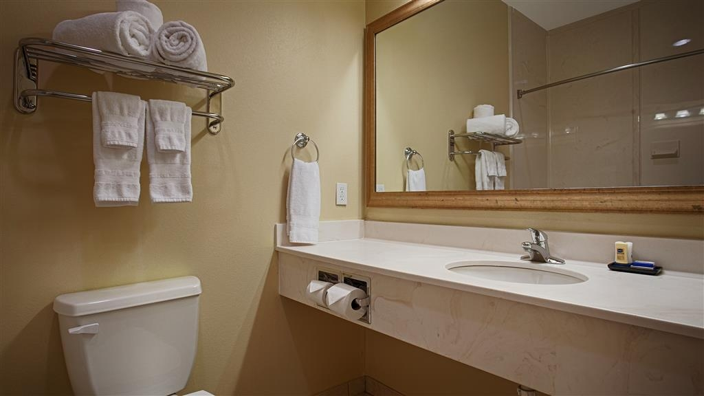 Best Western Plus Monica Royale Inn & Suites - Bagno