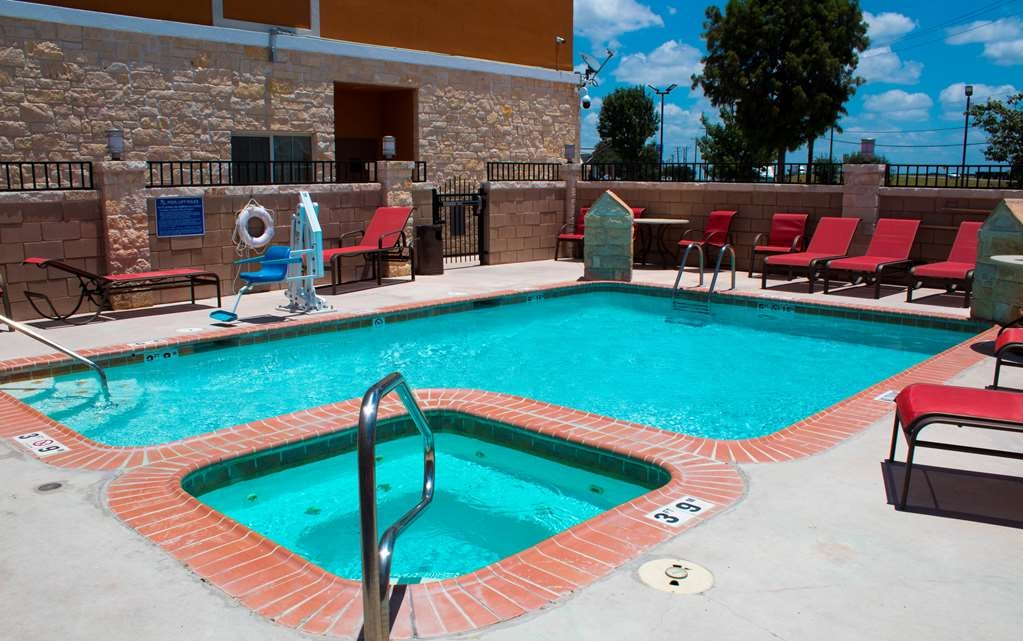 Best Western Plus San Antonio East Inn & Suites - Wannen-Whirlpool
