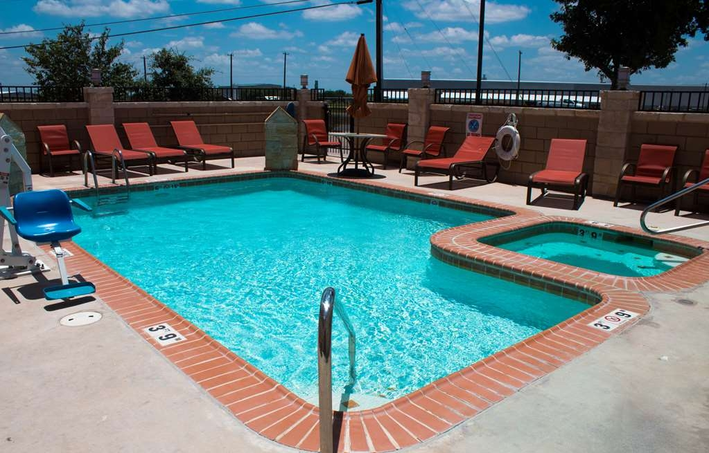 Best Western Plus San Antonio East Inn & Suites - Swimmingpool im Freien