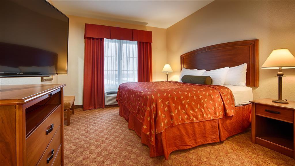 Best Western Plus San Antonio East Inn & Suites - King Bed Guest Room