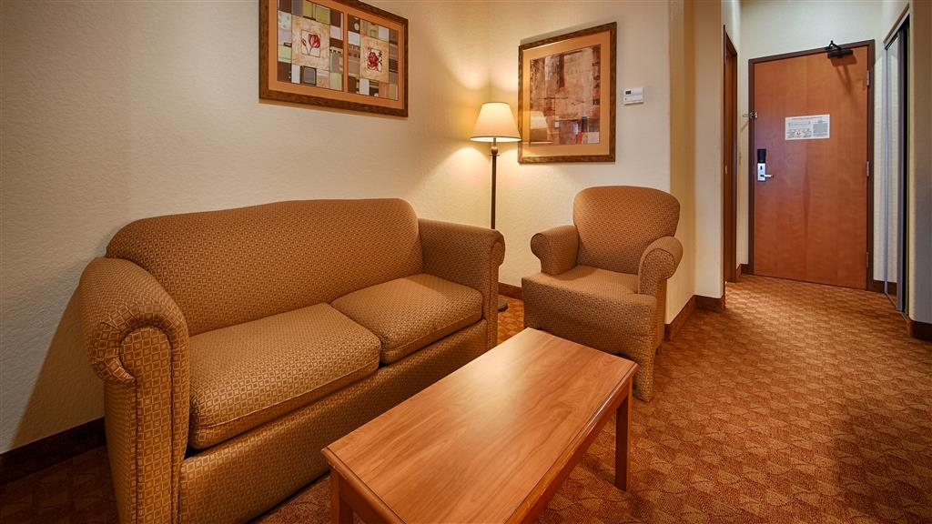 Best Western Plus San Antonio East Inn & Suites - Gästezimmer